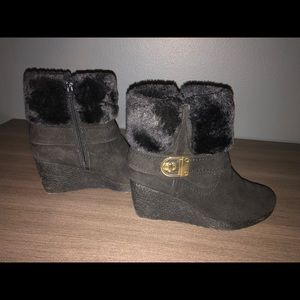 Size 7.5 faux fur black wedges